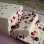 Оригинальный, красивый и очень вкусный сметанный десерт с ягодами. Гости ВСЕГДА просят добавки.