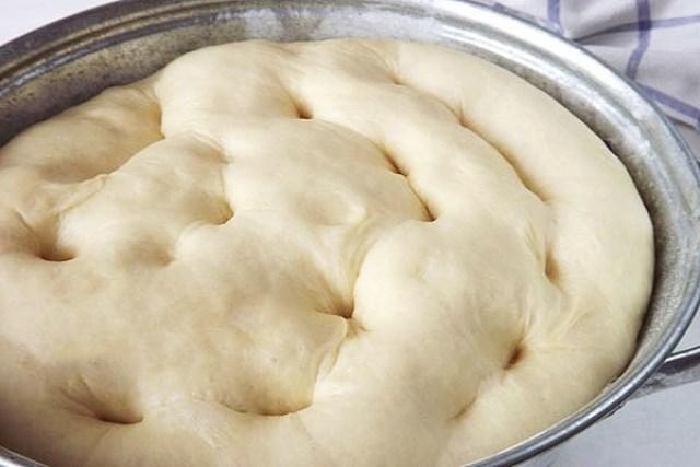 Тесто, из которого всегда получается удачная выпечка. Даже на следующий день изделия из него пышные и мягкие!