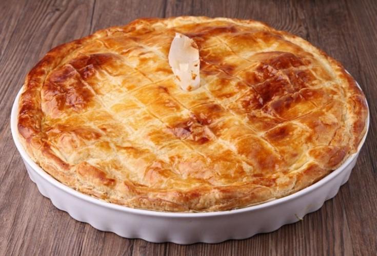 Пирог с капустой и беконом