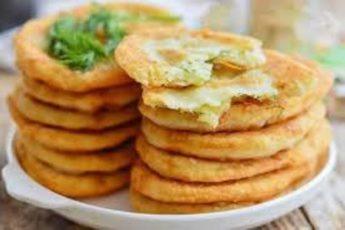 Тонкие жареные пирожки с картошкой на кефире изумительные на вкус