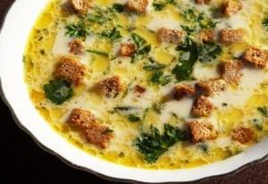 Сырный суп с гренками фото