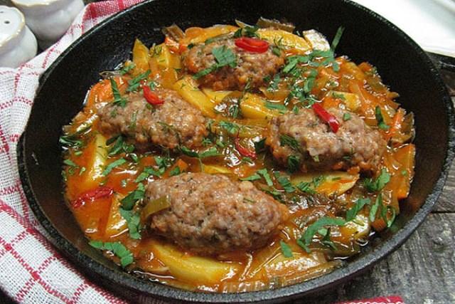 Вот оно блюдо дня! Вкуснотище! Любимое и самое вкусное второе блюдо - Мясные колбаски с овощами