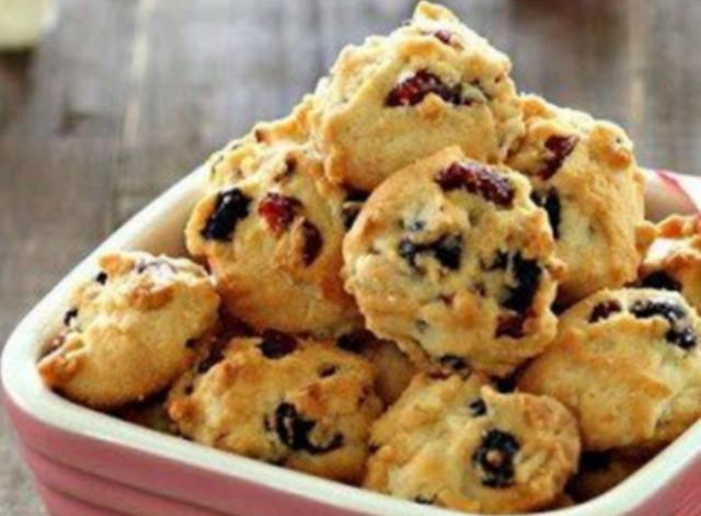 Сказать, что эти печенья очень вкусные, это значит ничего не сказать! Улетают со стола в два счёта.