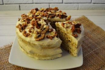 Овсяный торт не повредит фигуре! Он получается вкусным, нежным, сытным.