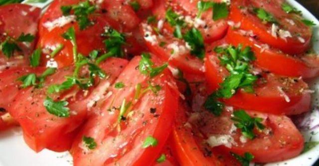 Пикантная закуска из помидоров: всегда делаю две порции сразу!